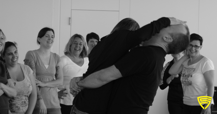 Pflegepersonal beim Workshop mit Krav Maga Protection